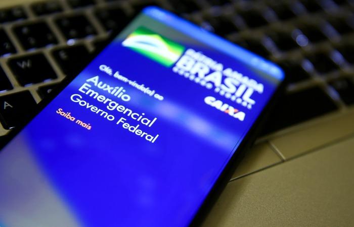 IRPF 2021:  Quem deverá devolver o auxílio emergencial recebido em 2020?